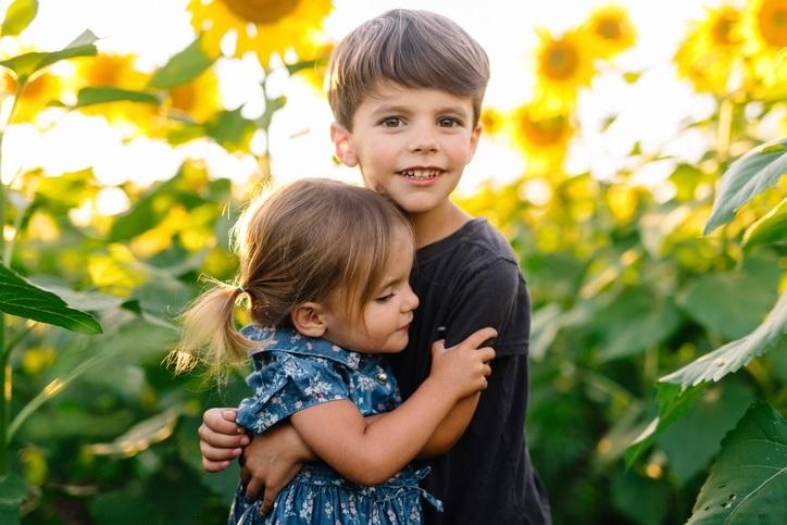 дети картинки брат и сестра 006