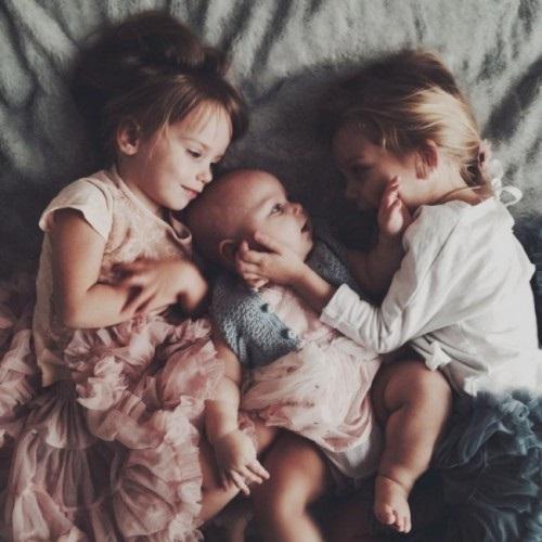 дети картинки брат и сестра 015