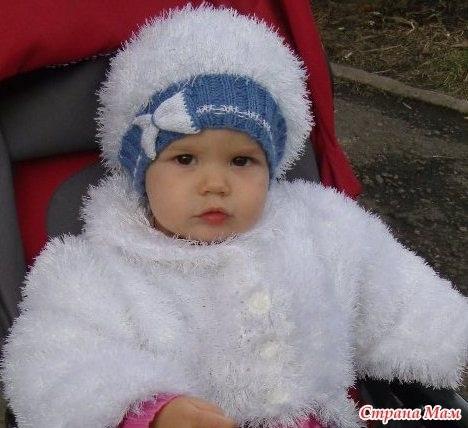 детская шапочка спицами из травки 016