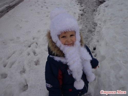 детская шапочка спицами из травки 020