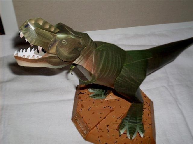 динозавр своими руками из картона 009