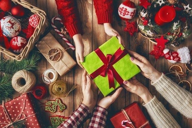 картинки на новый год подарков 012