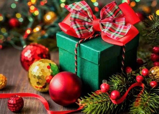 картинки на новый год подарков 020