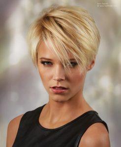 короткие волосы блондинки 020