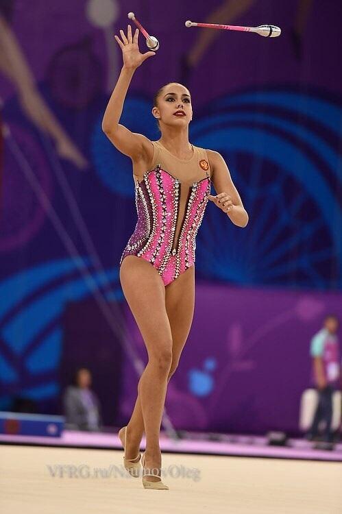 купальники для художественной гимнастики без юбки 010