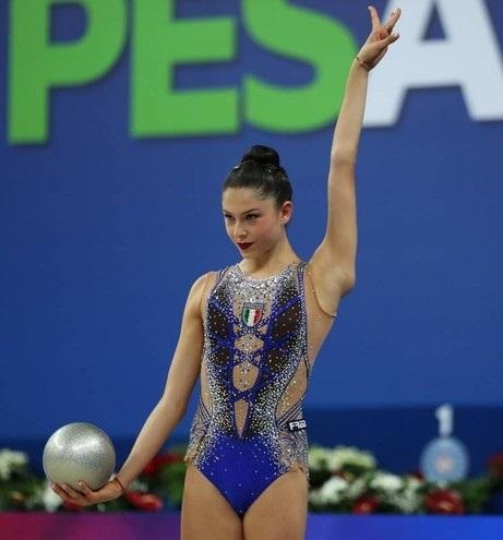 купальники для художественной гимнастики без юбки 018