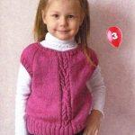 Схемы вязания спицами детской жилетки — красивая подборка