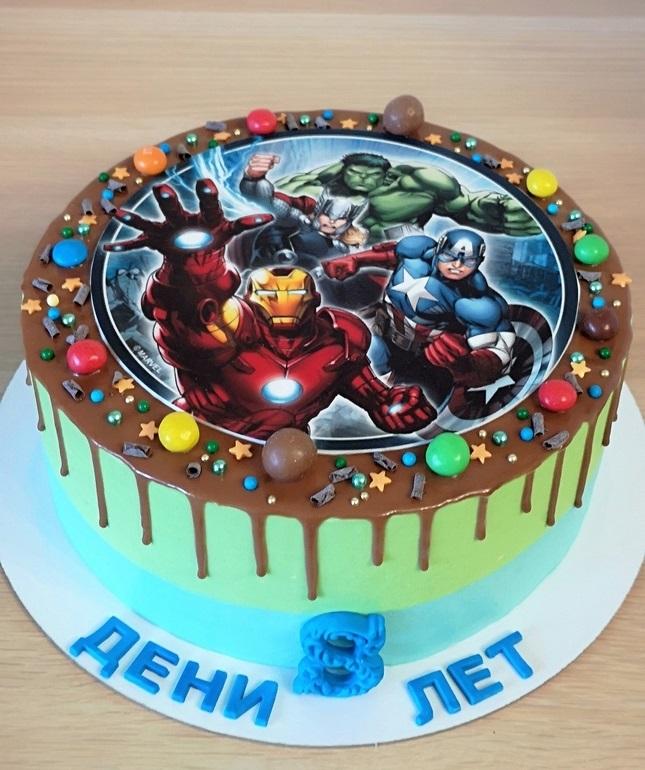 Торт для мальчика с вафельной картинкой