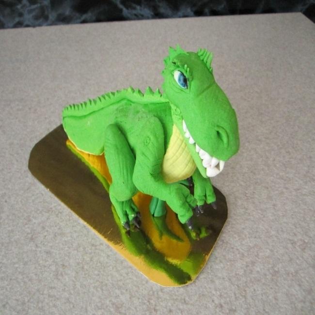 торт динозавры из мастики 003