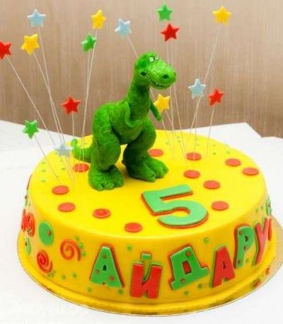 торт динозавры из мастики 018