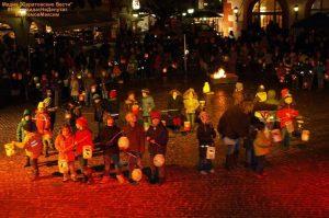 фонарики на день святого мартина своими руками 024