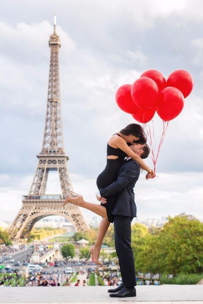 эйфелева башня и девушка 007