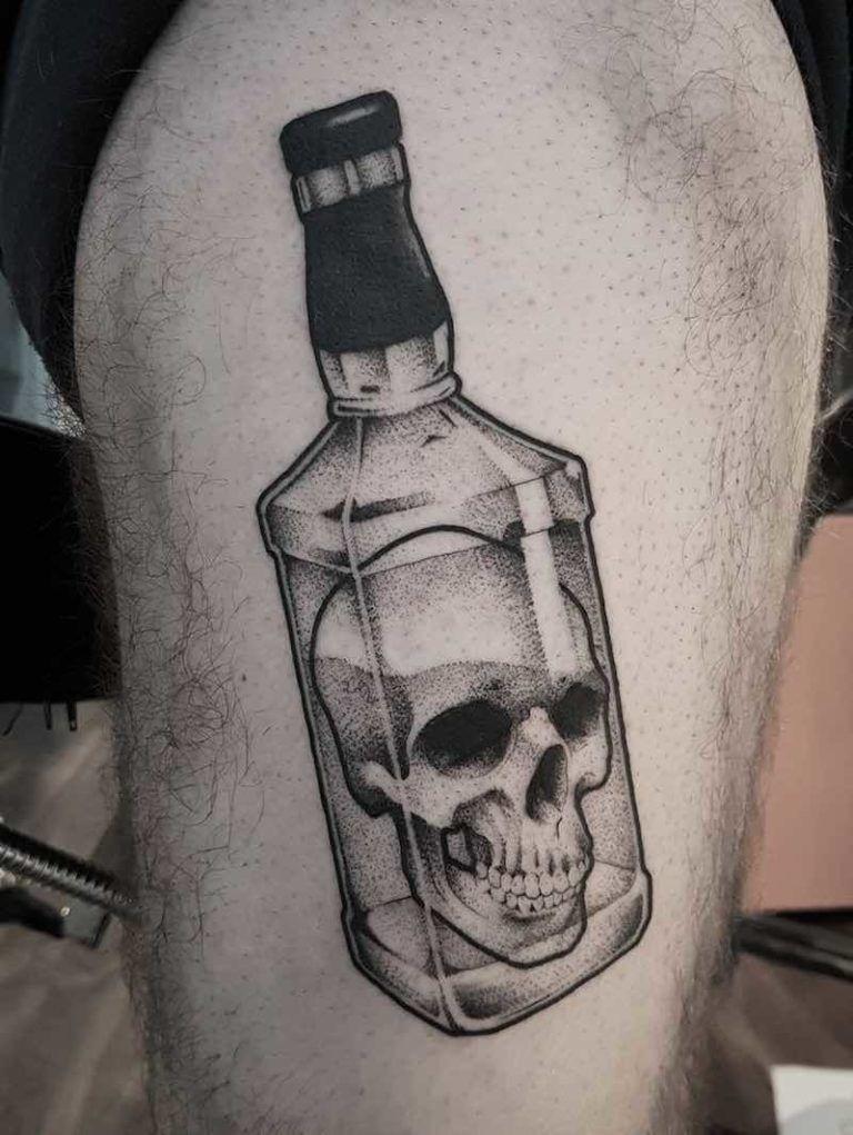 эскиз тату бутылка 001