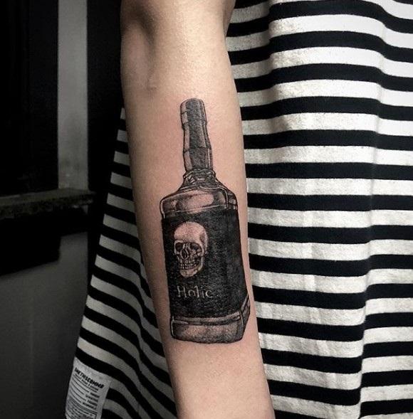 эскиз тату бутылка 006