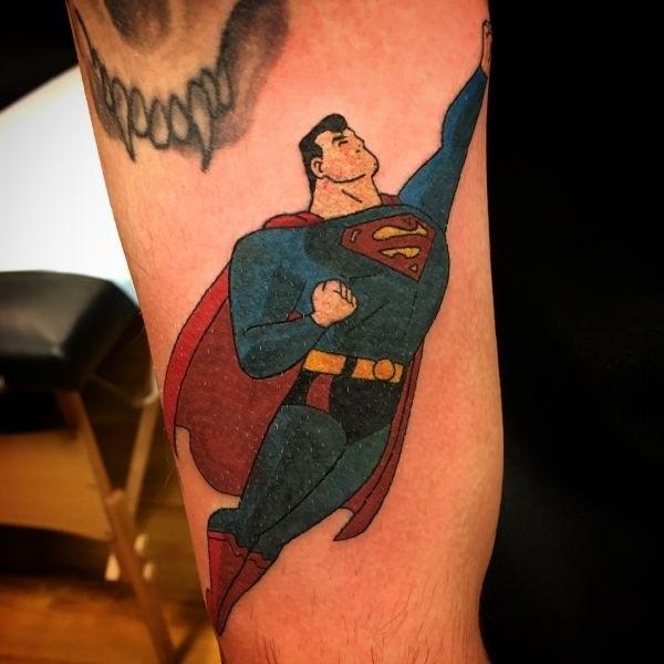 эскиз тату знак супермена 011