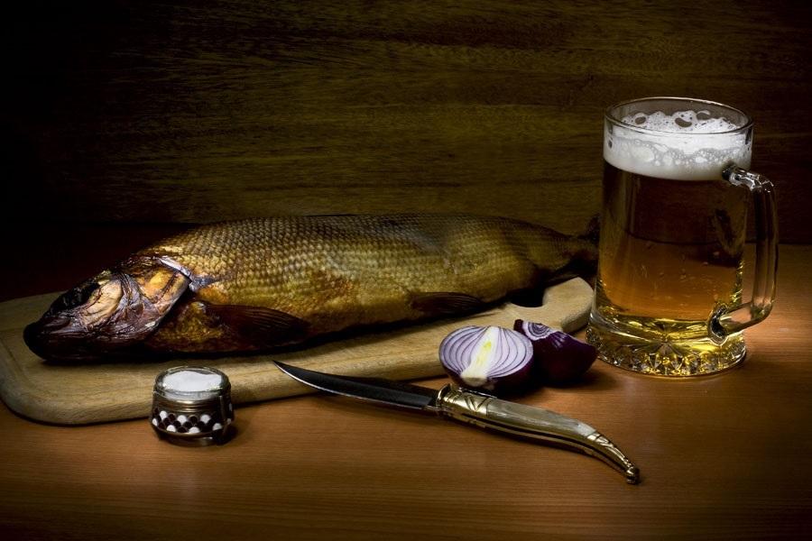 Натюрморт с пивом и рыбой 003