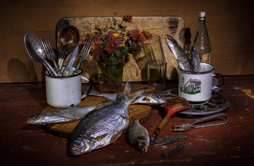 Натюрморт с пивом и рыбой 008