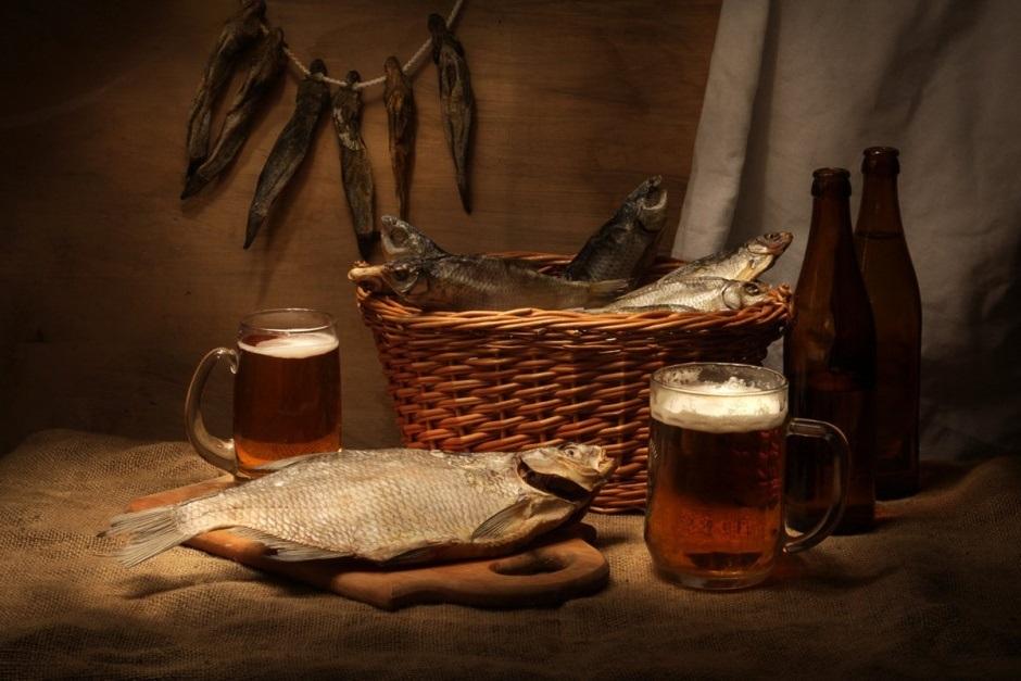 Натюрморт с пивом и рыбой 009