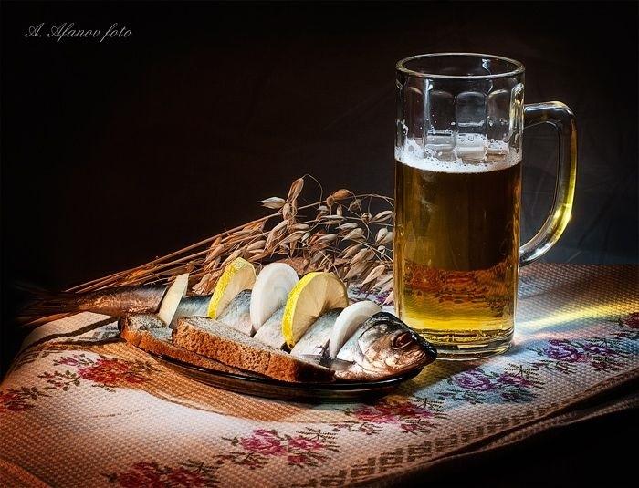 Натюрморт с пивом и рыбой 028
