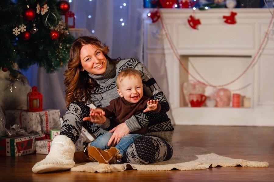 Новогодняя фотосессия мама и сын 002