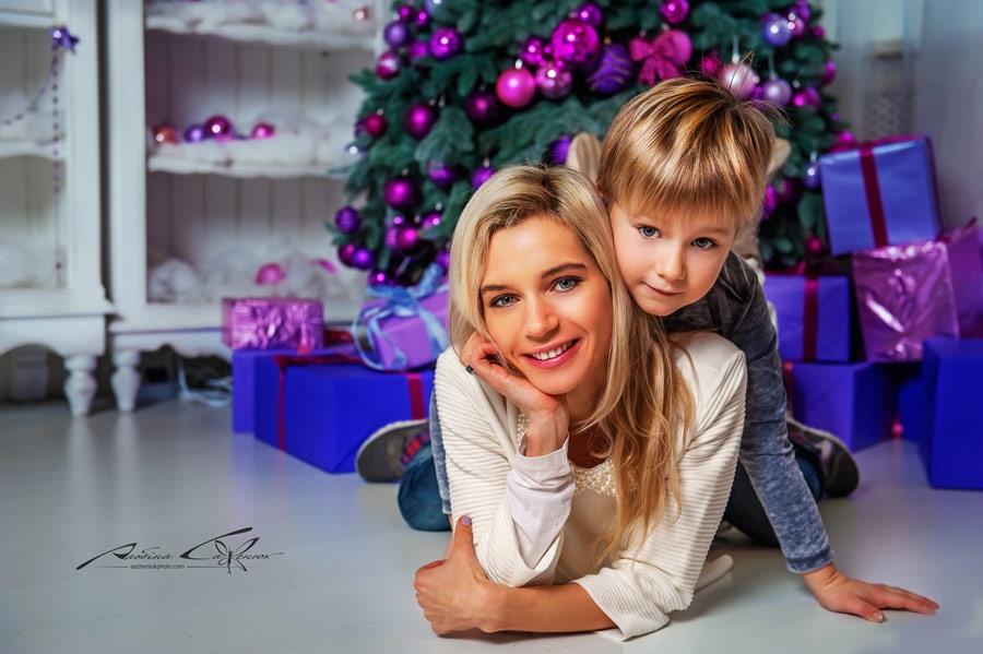 Новогодняя фотосессия мама и сын 011