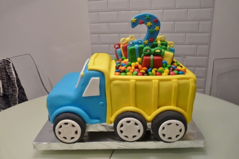 Торт грузовик с конфетами 001