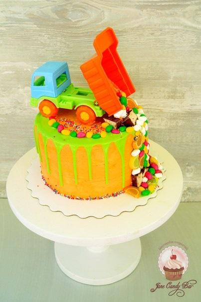 Торт грузовик с конфетами 002