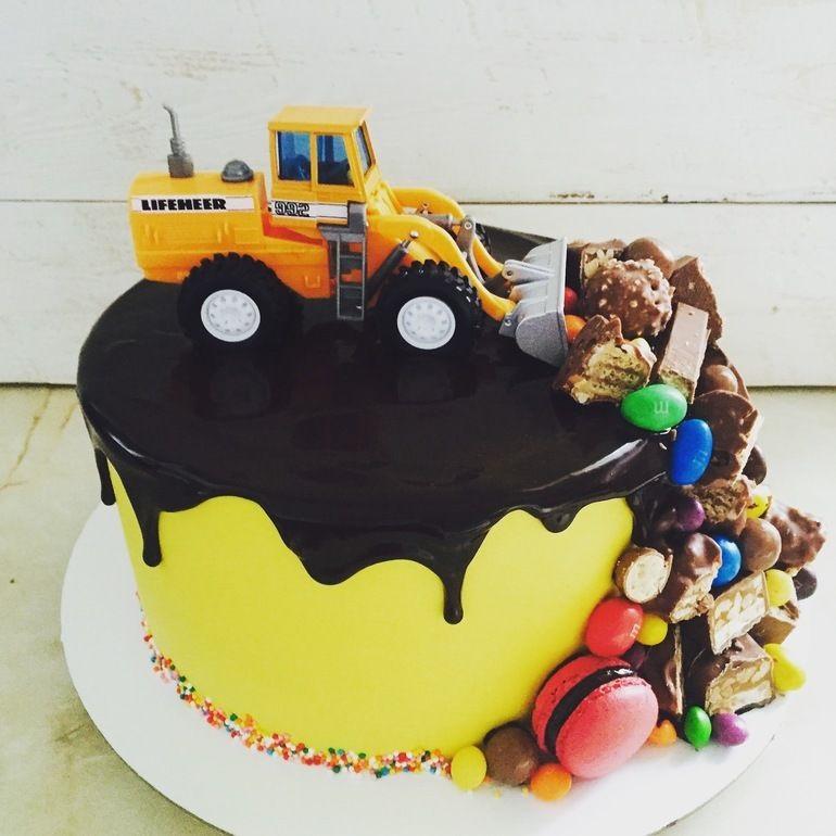 Торт грузовик с конфетами 009