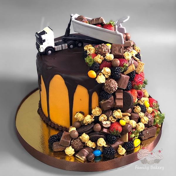 Торт грузовик с конфетами 010