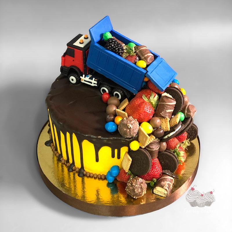 Торт грузовик с конфетами 011