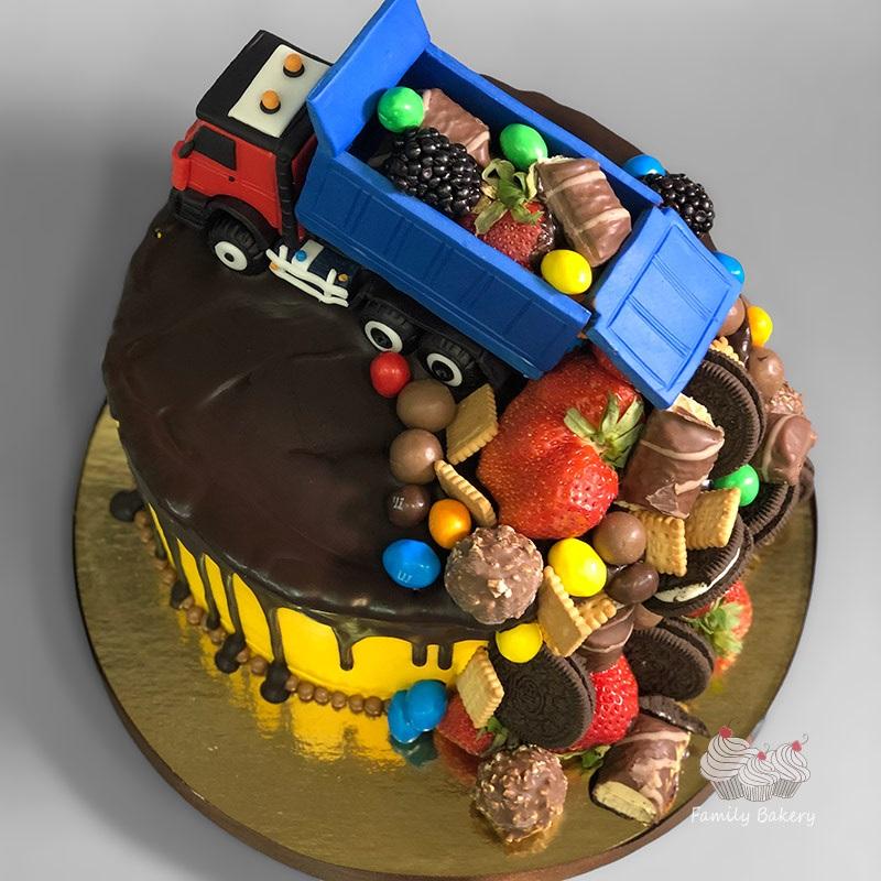 Торт грузовик с конфетами 015