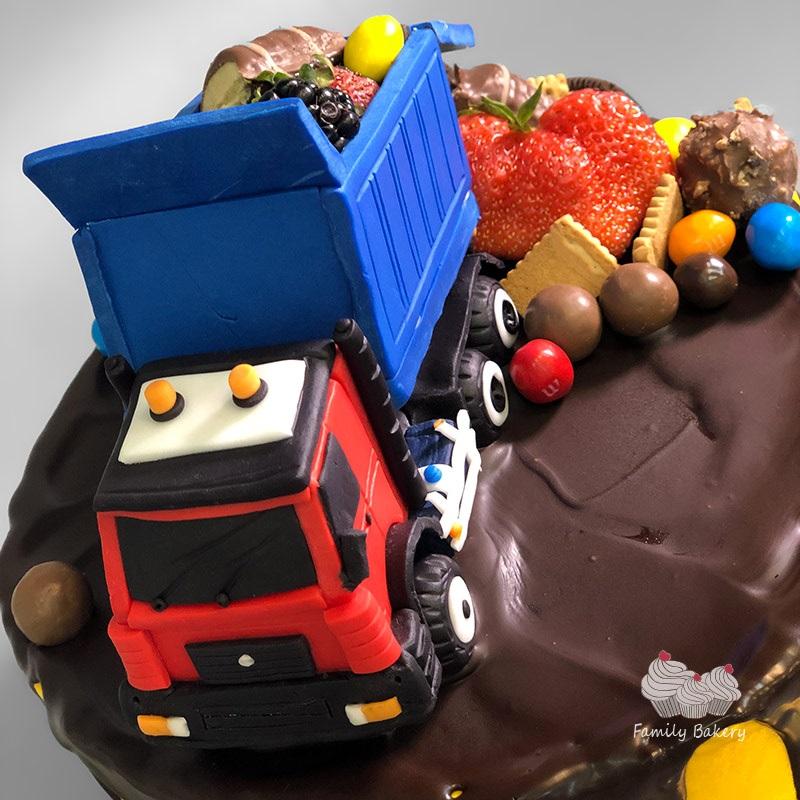 Торт грузовик с конфетами 018
