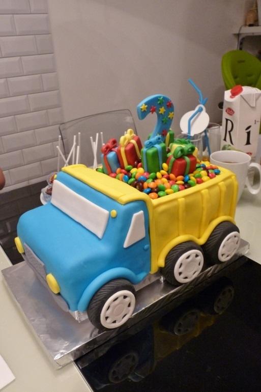 Торт грузовик с конфетами 022