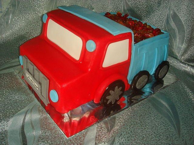 Торт грузовик с конфетами 025