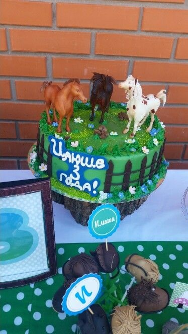 Фото торт с лошадками 002