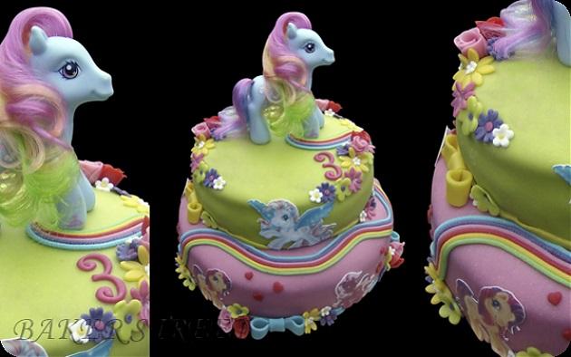 Фото торт с лошадками 019