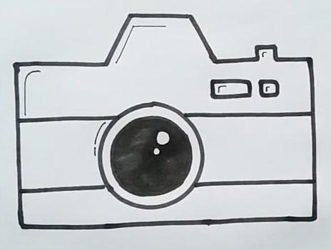 Рисунок фотоаппарата акварелью 010