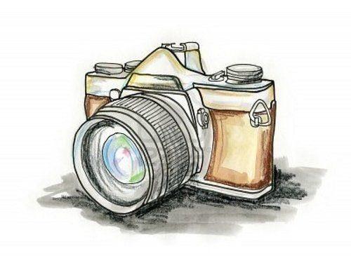 Рисунок фотоаппарата акварелью 020