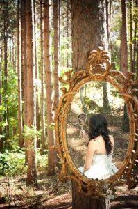 Весенняя фотосессия в лесу на двоих 020