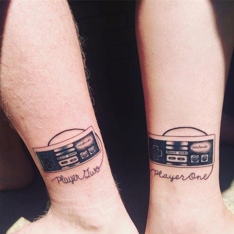 Крутые татуировки брат и сестра 014