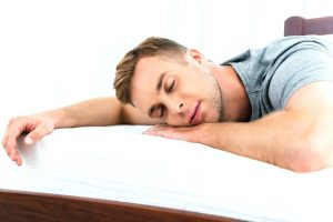 Можно ли спать без подушки взрослым