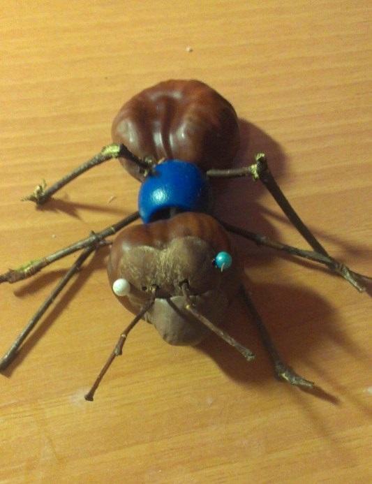Оригинальная осенняя поделка муравей 005