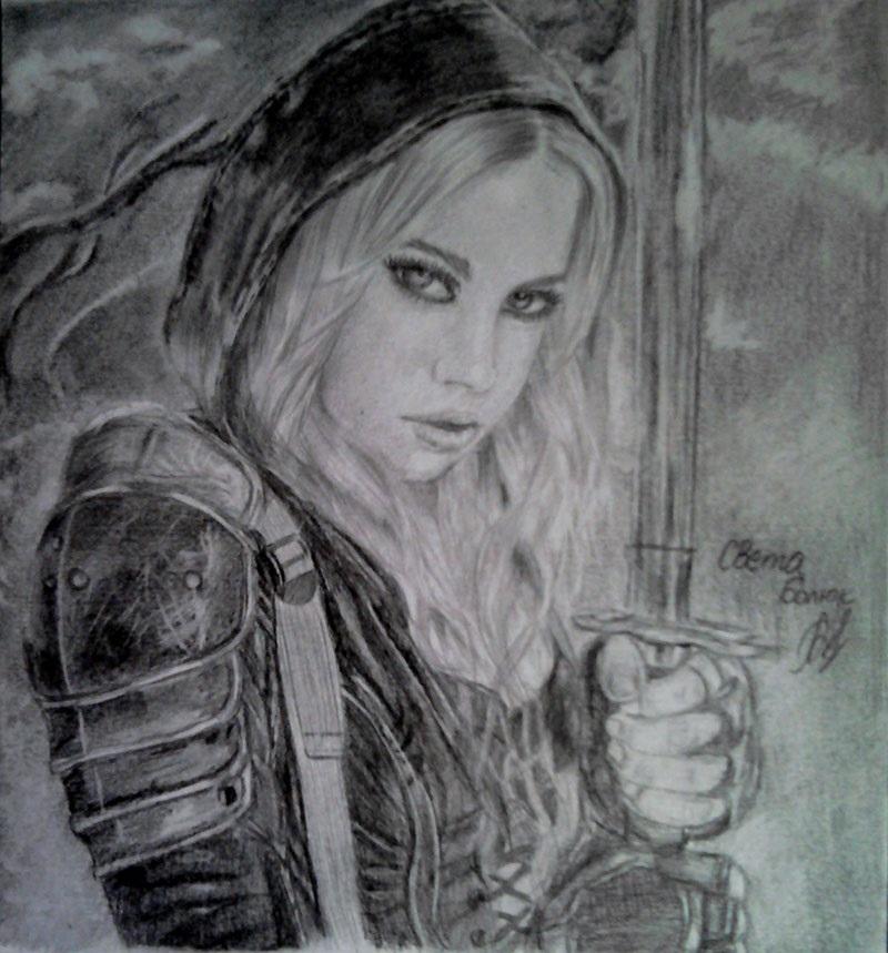 Рисунок карандашом девушка воин 002