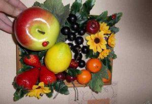 Яркие картины из искусственных фруктов 026