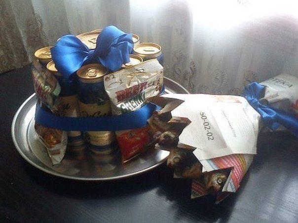 Прикольный торт из пива на день рождение для мужа 024