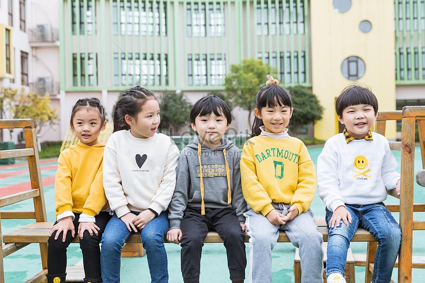 Милые фото детей в детском саду 005
