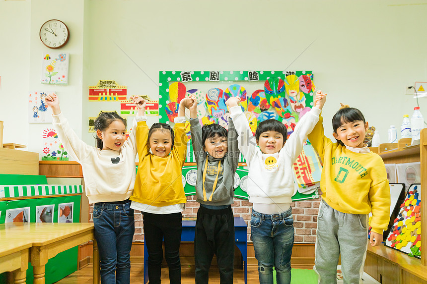 Милые фото детей в детском саду 006