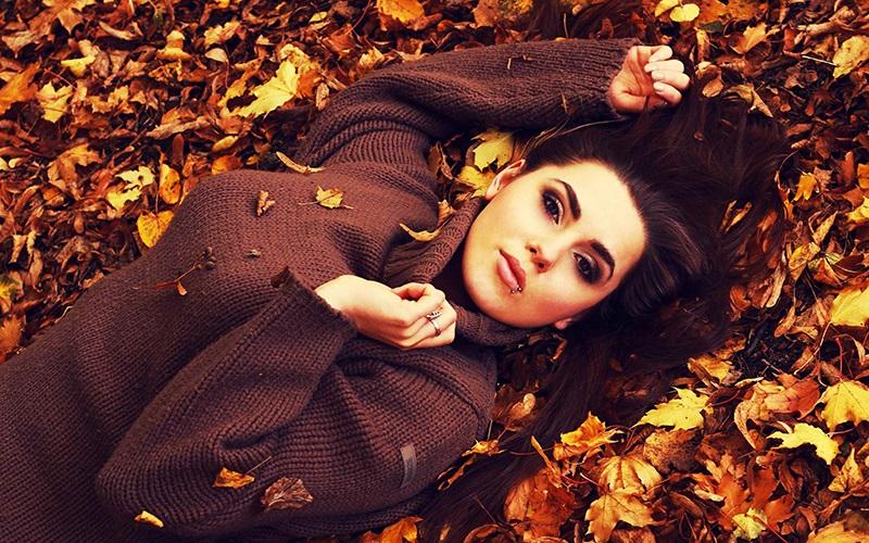 Идеи для фотосессии осенью на улице с зонтиком 02