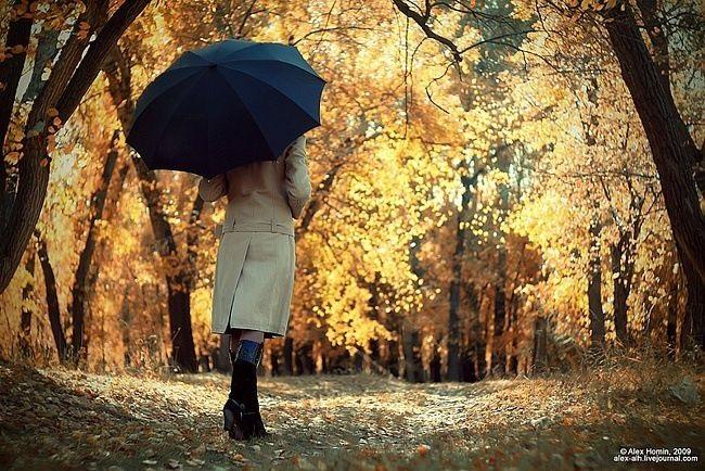 Идеи для фотосессии осенью на улице с зонтиком 06