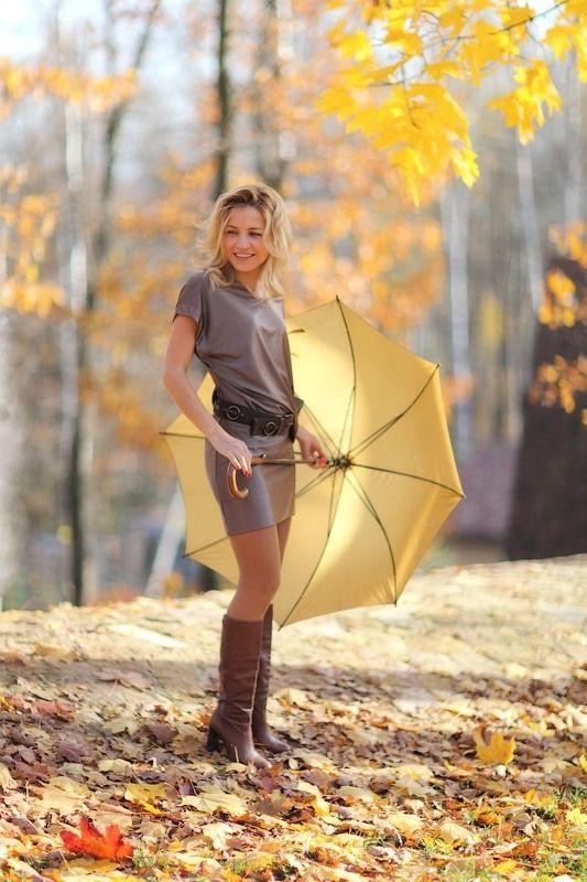 Идеи для фотосессии осенью на улице с зонтиком 13